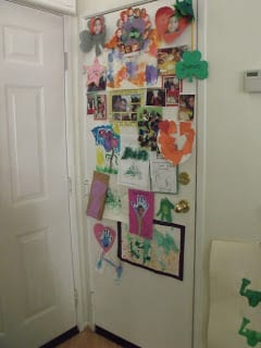 Consumer Goods 001 - iHeart stARTing Small: Bringing art home.